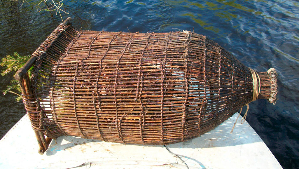 Корчажка рыболовная снасть