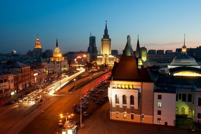 площадь трех вокзалов в москве какие вокзалы