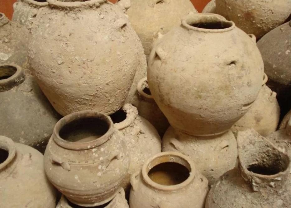 Глиняный сосуд корчага