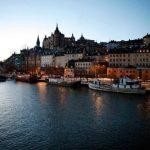 На берегу какого моря расположен Стокгольм